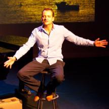 Patrick Spekman bij de presentatie van zijn boek 'In de schaduw van een gek'
